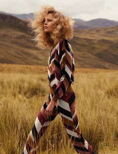 Style Fashion: So You Think You're a Cowboy Ranch style brown zig zag pantsuit High Fashion Photography, Fashion Photography Inspiration, Photoshoot Inspiration, Photography Poses, Style Inspiration, Glamour Photography, Lifestyle Photography, Indoor Photography, Birthday Photography