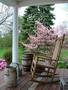 photos of country rustic porches Outdoor Spaces, Outdoor Living, Outdoor Decor, Country Life, Country Living, Country Charm, Southern Charm, Decks And Porches, Front Porches