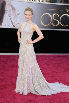 Amanda Seyfried in a stunning McQueen dress.  It hangs so beautifully, looking both delicate and confident at the same time.  LOVE it!