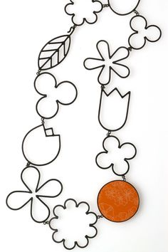 Katy Hackney, Flower Drawings Necklace, 1999 (Black gold plated silver, vintage floral formica)