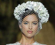 Tocados para novias #bodas #tocados #complementos #pronovias