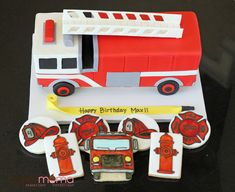 IMG_8978 Cake Decorating Books, Happy Birthday, Happy Brithday, Urari La Multi Ani, Happy Birthday Funny, Happy Birth