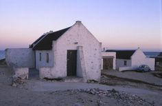 Arniston near cape town - white washed cottages Small Places, Places To Go, Pioneer House, Fishermans Cottage, Best Barns, Cape Town South Africa, Modern Buildings, Africa Travel, Beach Cottages
