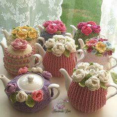 tea cozy Wish I had a dozen teapots, to create a whole garden!