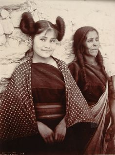 A Hopi Woman and a Girl  George Wharton James and C. C. Pierce, Hopi Reservation, Arizona, copyright 1901. Gelatin silver print. The George Wharton James Collection, Braun Research Library Collection, Autry National Center; A.41.15
