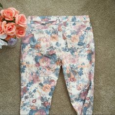 New York & Company Floral Skinny Jeans Floral skinny jeans from New York & Company. True to size. stretchy material. Faded denim look. Never worn.    No trades.  No paypal. New York & Company Jeans Skinny