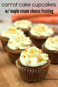 What an awesome cupcake recipe: Carrot cake with maple cream cheese frosting. Dessert in 20 minutes!
