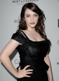 Kat Dennings plays Max on 2 Broke Girls