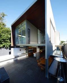 Gibbon Street House by Shaun Lockyer Architects