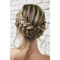 42 Sophisticated Prom Hair Updos | LoveHairStyles.com ❤ liked on Polyvore featuring accessories, hair accessories, hair, hairstyles and prom hair accessories