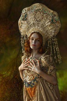 breathtaking kokoshnik & costume....look at all the beautiful details <3