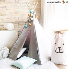 Wunderhübsches Kinder-Tipi mit einer unserer good moods Lichterketten! Lieben Dank @uniquelovehh für dieses hübsche Foto! #good__moods #stringlights #goodmoods #lichterkette #interior #kids #kidsroom #kidsinterior #living #decor #decoration #instagram_kids #instakids #2016