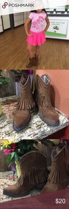 Sniptoe fashion boots Brown leather suede boots used but still in great condition few marks and scratches from the tip.. really cute ... smoke and pet free home Laredo Shoes Boots
