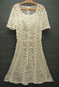 Off White Crochet Dress por UrbanReplay en Etsy Crochet Skirts, Crochet Clothes, Filet Crochet, Crochet Lace, Clothing Patterns, Dress Patterns, Knit Dress, Dress Skirt, Dress Pants