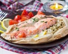 papillote de saumon citronné au riz : http://www.cuisineaz.com/recettes/papillote-de-saumon-citronne-au-riz-82478.aspx