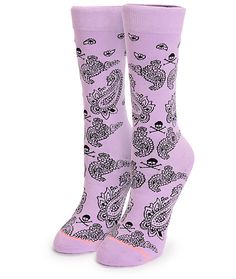 Step into a dose of deadly comfort with these ultra soft and butter combed cotton crew socks that feature springy elastic arch support and an allover mixed paisley and skull and crossbones print.