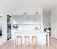 The Truth About Affordable Bar Stools with Minimalist Design for Kitchen Decoration - homevignette Kitchen Interior, New Kitchen, Kitchen Dining, Kitchen Decor, Scandinavian Kitchen, Scandinavian Design, Kitchen Pendant Lighting, Farmhouse Style Kitchen, Minimalist Kitchen