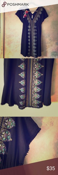 Free People Tunic plunging neckline Funky and fun tunic by Free People Free People Dresses Mini