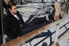 The dashing Texan, currently playing the son of legendary villain JR Ewing in Dallas, models some key spring pieces Josh Henderson, Mr Porter, Celebrity Look, Attractive Men, Beautiful People, Tv Shows, Menswear, Journal, Mens Fashion