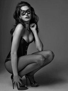 Anne Hathaway. Meow.                                                             {WenDZ}
