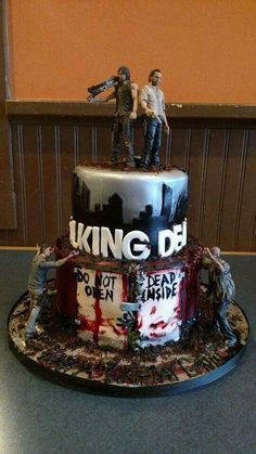 The Walking Dead Birthday Cake Bolo The Walking Dead, Walking Dead Memes, Walking Dead Zombies, Walking Dead Birthday Cake, Bolo Rapunzel, The Walkind Dead, Zombie Birthday, Zombie Party, Rose Bonbon