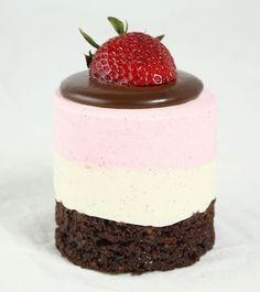 crumbsx: Neapolitan Mousse Cakes.