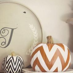 DIY Chevron Pumpkins {pumpkin decorating ideas}