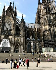 🖤 Cologne 🇩🇪 . . . . . #wanderingsoul #teentravel #lovingeurope #adventuretravel