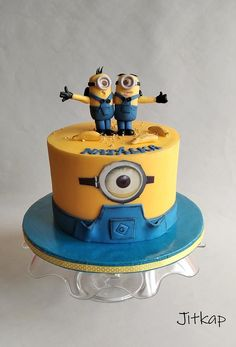 Minions cake by Jitkap Cakes And More, Cake Decorating, Minion Cakes, Desserts, Daily Inspiration, Birthday Cakes, Ideas, Trolls Birthday Party, Tailgate Desserts