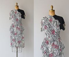 Linked Hearts dress • vintage 1940s dress • printed rayon 40s dress on Etsy, $244.00