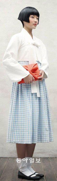 한복 Hanbok : Korean traditional clothes[dress] #modernhanbok | 80년전 숭의여학교 교복… 당대의 신여성 문화코드