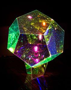 Mirobolante Light Skulptur von Vincent Buret  #buret #light #mirobolante #skulptur #vincent Light Painting, Dichroic Glass, Light Art, Light Colors, Gcse Art, Lighting Design, Infinity Mirror, Neon Lamp, Cute House