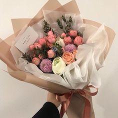 Boquette Flowers, Luxury Flowers, My Flower, Planting Flowers, Beautiful Flowers, Flower Aesthetic, Floral Arrangements, Rose, Aesthetics