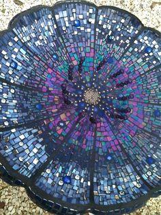 Mosaic Bird Bath Ideas | Sets appears in: • Disco in a Birdbath • Tanja Hawker Mosaics