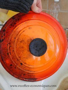 Nettoyant maison : 0,75 litre d'eau chaude 150 gr de vinaigre blanc 30 g de liquide vaisselle 3 cs de cristaux de soude 10 g d'huile essentielle