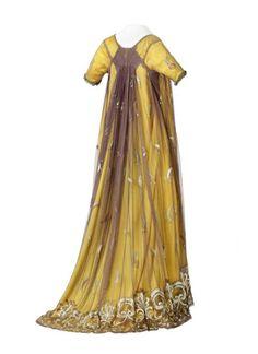 Dress ca. 1810 From the Musée des Tissus et des Arts Décoratifs de Lyon