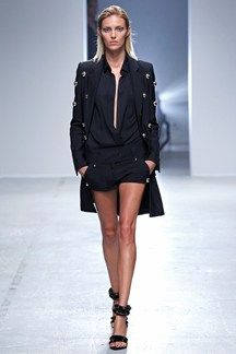 Anthony Vaccarello Spring 2014 RTW - Runway Photos - Fashion Week - Runway, Fashion Shows and Collections - Vogue Fashion Week Paris, Runway Fashion, Womens Fashion, Milan Fashion, Street Fashion, Passion For Fashion, Love Fashion, High Fashion, Fashion Design