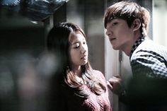 """""""Heirs"""": Lee Min Ho & Park Shin Hye Practice Their Kisses & Hugs   Couch Kimchi"""