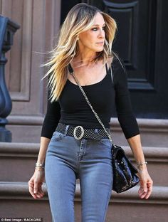 Hot L'attrice Sarah Jessica Parker, degradè capelli castani, taglio scalato lungo Who's Who on the B Sarah Jessica Parker Husband, Sarah Jessica Parker Cheveux, Fashion Models, Look Fashion, Fashion Designers, Kate Bosworth, Mary Kate Olsen, Hair Blond, Brown Hair