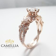 14K Rose Gold Engagement Ring Round Moissanite par CamelliaJewelry