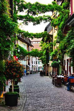 Freiburg im Breisgau (Baden-Württemberg)…