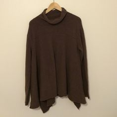 Free People Sweater Lovely purplish-brown color. Like new. Super comfy and soft! Free People Sweaters Cowl & Turtlenecks
