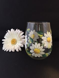 Daisy stemless wine glass, white daisy flower wine glass , hand painted  flowers