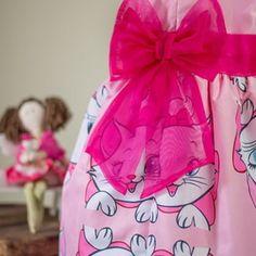 Vestido Infantil da Gatinha Marie no Elo7 | AnaGiovanna Vestidos Infantis (545E55) Baptism Party Decorations, Gata Marie, Infant Dresses, Maxi Dresses, Gatos, Kitty