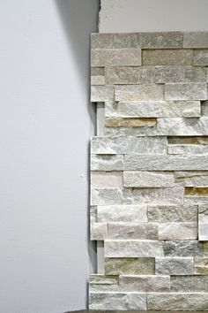 Best Photographs slate Stone Fireplace Strategies How to install stacked stone tile on a fireplace wall Stone Tile Fireplace, Tile Around Fireplace, Stone Fireplace Makeover, Faux Stone Walls, Stacked Stone Fireplaces, Stone Accent Walls, Faux Fireplace, Stone Tiles, Slate Stone