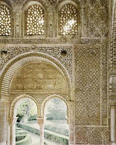 Jardines desde el Carmen de la Mezquita del Oratorio. Una visión inédita de la Alhambra por Jean Laurent y Fernando Manso. Fotografía © Fernando Manso. Cortesía Museo Arqueológico Nacional.