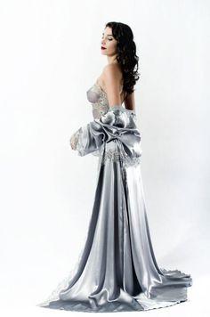 Liliana Casanova Montaigne Silk & Lace Dressing Gown