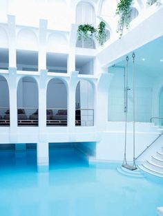 Sanctuary Spa, Covent Garden, the pool with the atrium swing Spent the day at this spa today, absolute heaven and loved this swing, brought the big kid out in me (didn't need much coaxing! Concept Architecture, Architecture Design, Spa Luxe, Indoor Swing, Indoor Pools, Little Bit, Covent Garden, Beautiful Places, Lovely Things
