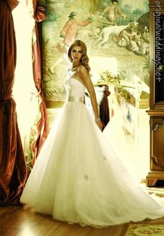 badgley mischka bride wedding gown (came across this on http://originalweddings.net )