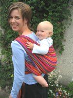 Great tutorials to wrap your baby safely on the front, back or hips